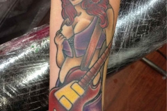 thumbs_American-traditional-pin-up-girl-with-guitar