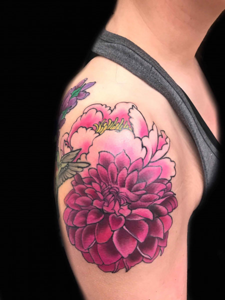 pick-flower-tattoo-on-shoulder-by-Roger-Solis-in-San-Diego